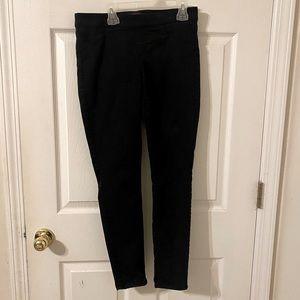 Women's black crop pants